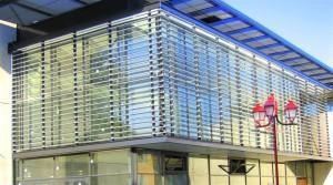 Films fin ou épais de sécurité à 100 microns pour vitrages d'un immeuble de bureaux ou d'habitations